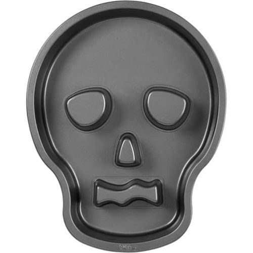 Wilton skull tube pan bij cake, bake & love 6