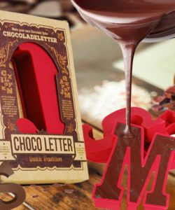 Chocolade letter siliconen mal - d bij cake, bake & love 8