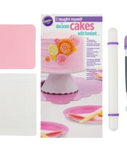 Wilton i taught myself® fondant cakes bij cake, bake & love 7