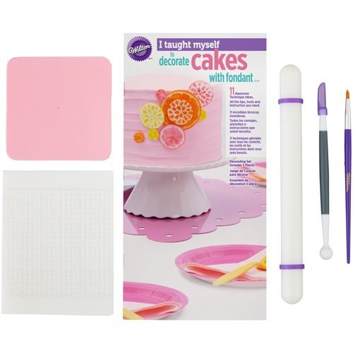 Wilton i taught myself® fondant cakes bij cake, bake & love 5