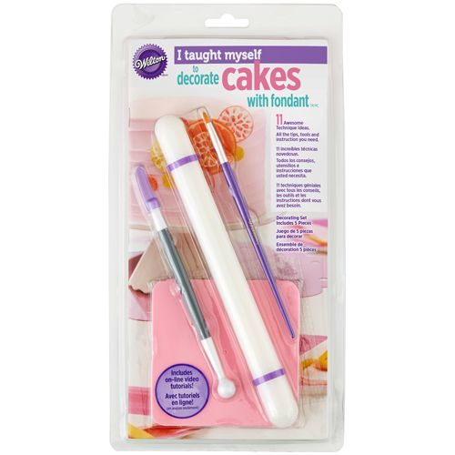 Wilton i taught myself® fondant cakes bij cake, bake & love 6