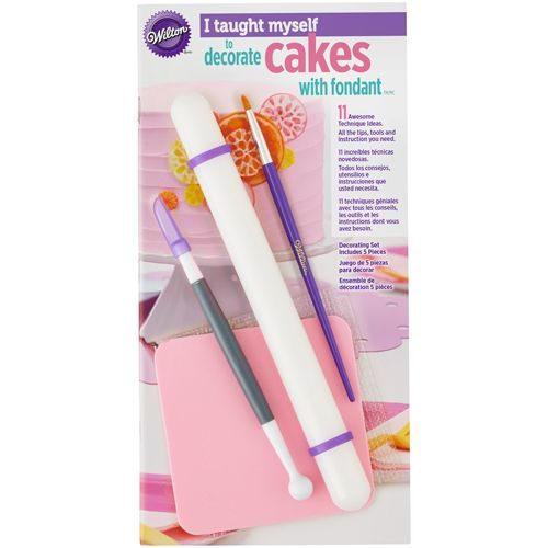 Wilton i taught myself® fondant cakes bij cake, bake & love 4