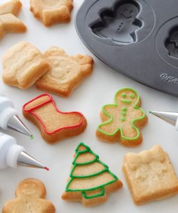 Wilton cookie pan holiday icons bij cake, bake & love 10